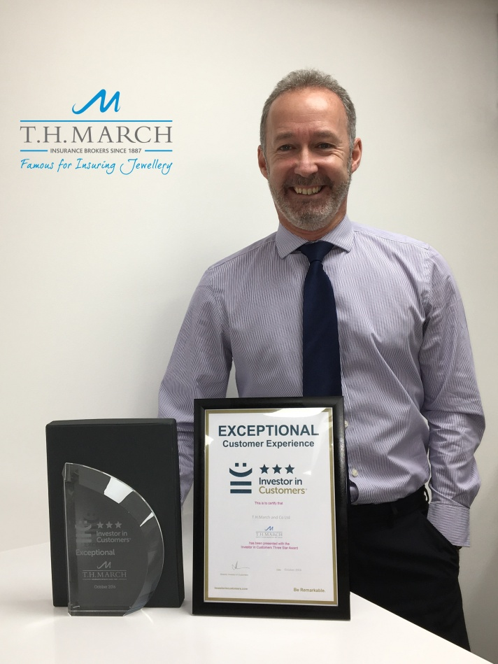 md-neil-mcfarlane-with-the-award-certificate